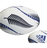 "Réplica da Bola de rugby do time ""All Blacks"" modelo Triumpho"