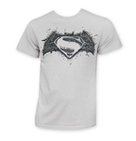 Camiseta Batman vs Superman Logo On Logo