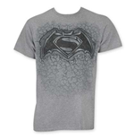Camiseta Batman vs Superman Stone Logo