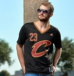 Camiseta Cleveland Cavaliers LeBron James adidas Black New Swingman